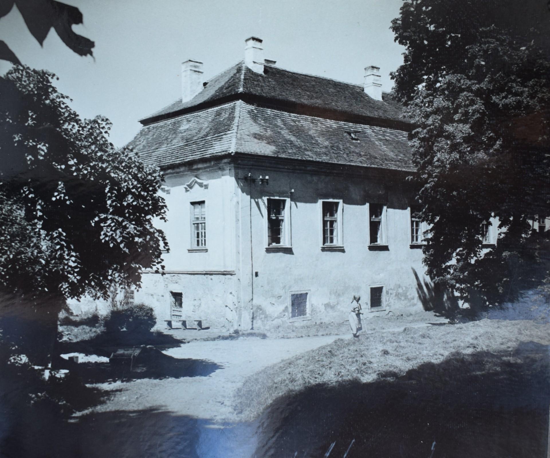 Denisa Strmiskova Studio NAČERADEC CASTLE